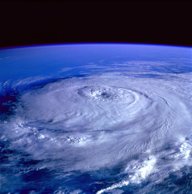 hurricane-earth-satellite-tracking